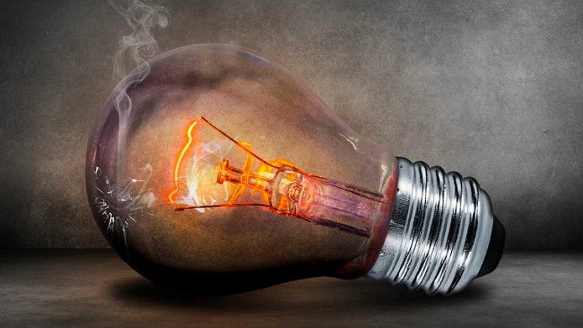 電球を発明した人は誰だと思いますか?